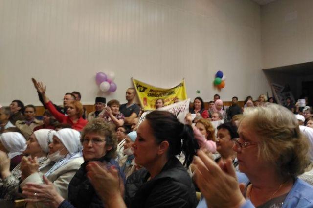 Более 500 человек пришли на публичные слушания в Осинове.
