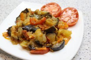 Рагу может быть как и основным блюдом там и прекрасным дополнением к гарниру