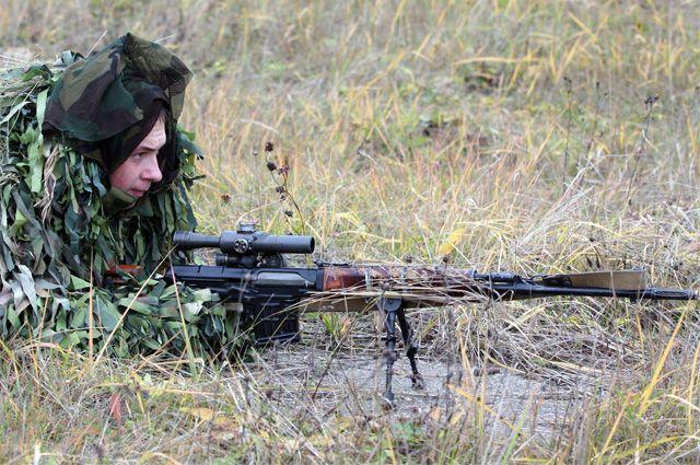 Снайпер 4-й отдельной танковой бригады с СВД.