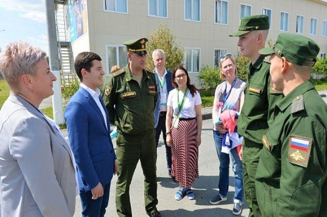 Дмитрий Артюхов встретился с ямальскими солдатами в Кургане