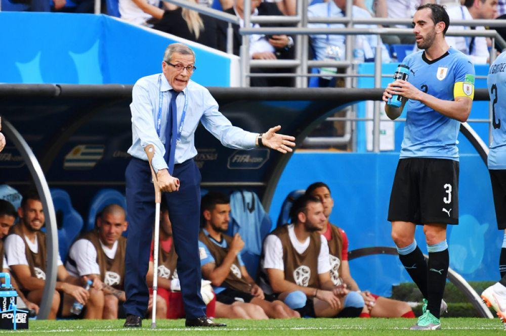 Оскар Табарес (Уругвай). У самого возрастного (71 год) тренера ЧМ-2018 диагностирована тяжелая болезнь — синдром Гийена-Барре. Пару лет назад он руководил командой с инвалидной коляски, сейчас пользуется специальными костылями.