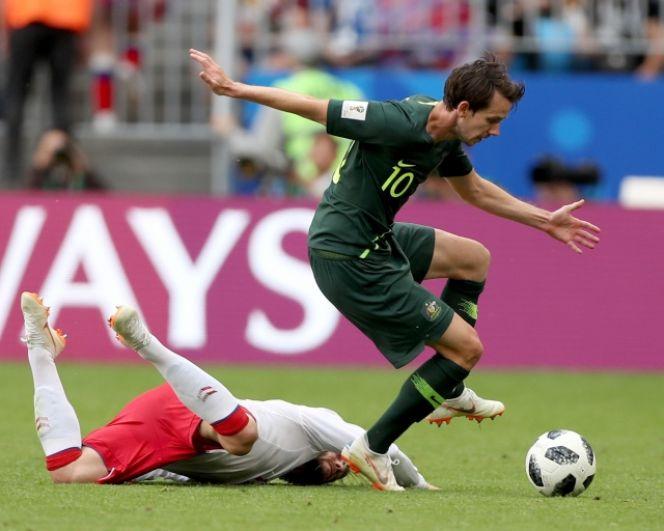 Несмотря на усилия обеих команд, матч завершился ничьей - 1:1 - и пока сделал Данию лидером группы С.