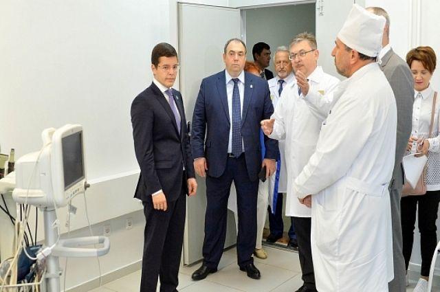 Дмитрий Артюхов ознакомился с работой онкологического центра в Салехарде