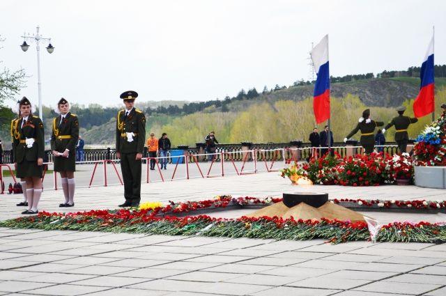 Кемеровчане участвуют в акции «Свеча памяти» уже около 10 лет.