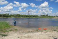 Молодой человек утонул в реке.