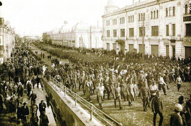 Чехословацкий корпус входит в Омск.