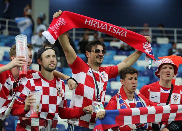 Хорваты гонят свою команду вперед