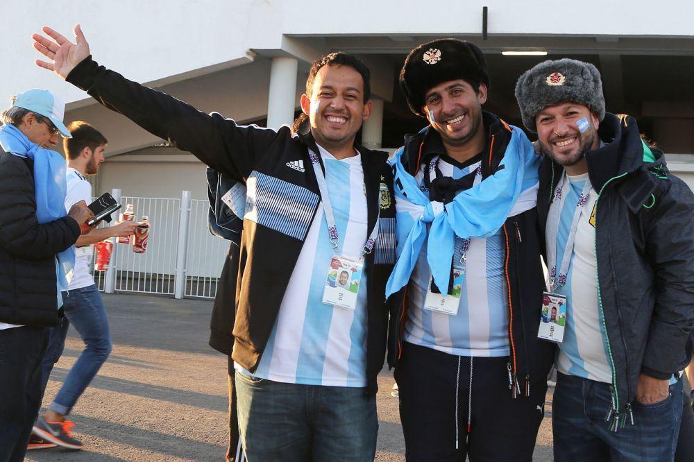 Аргентинцам очень понравились русские шапки-ушанки.