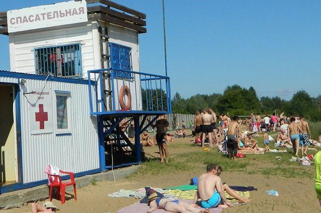 Открылись пляж в Ижевске, а также пляжи в Глазове, Воткинске, Уве, Можге и в Чекериле.