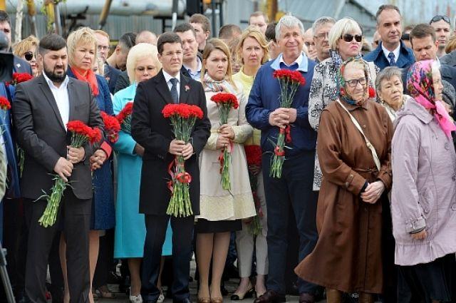 В День памяти и скорби павших земляков вспоминали во всех уголках Ямала