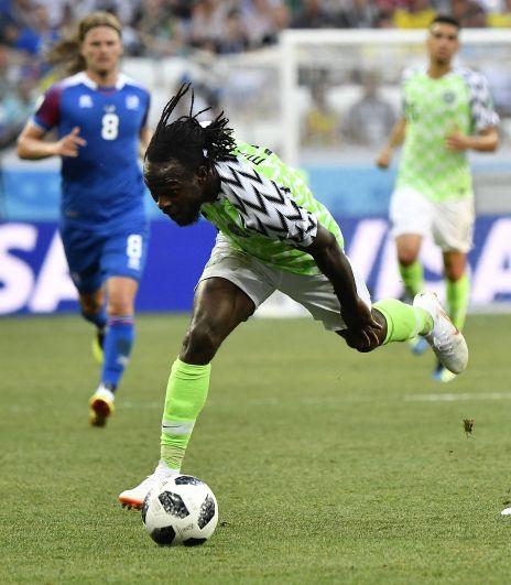 В первом тайме 60% времени мячом владели нигерийцы.