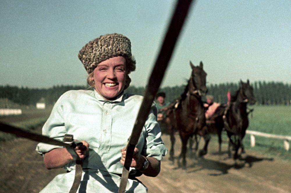 «Кубанские казаки» (1949) — Галина Ермолаевна Пересветова.