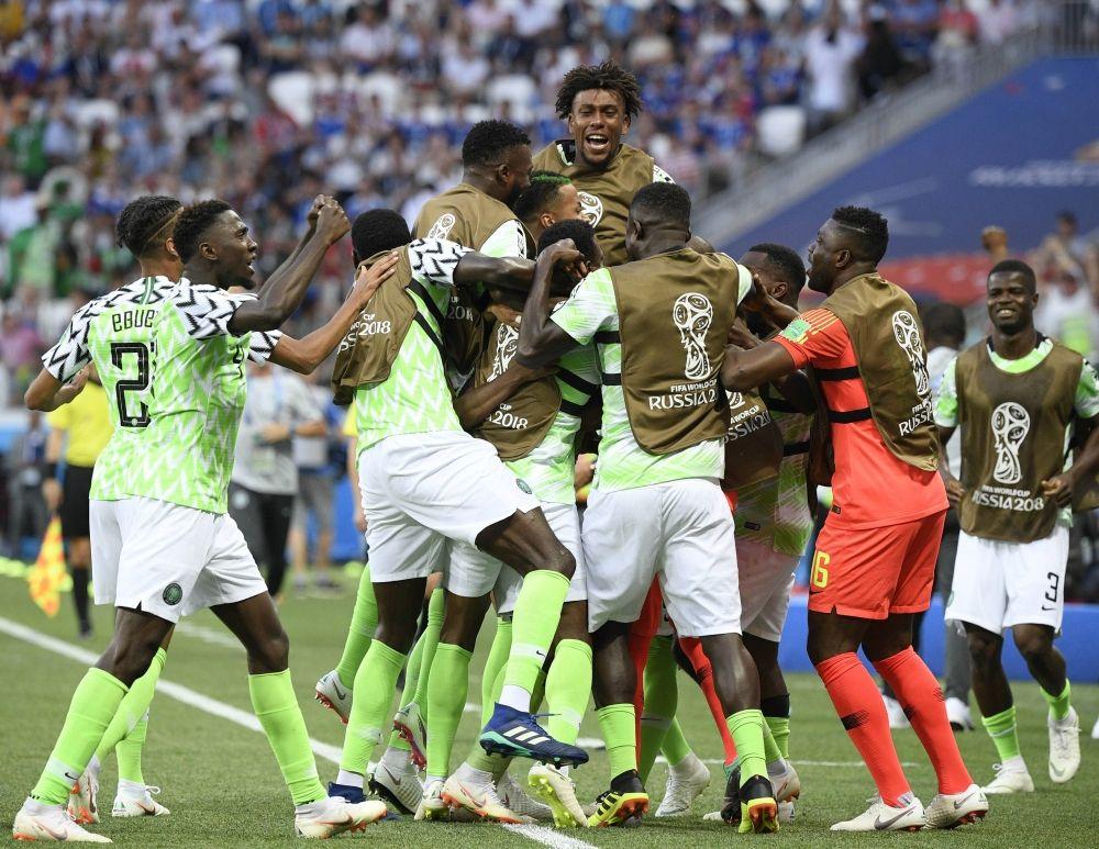 Сборная Нигерия выиграла у исландцев со счетом 2:0, получает шанс на выход в плей-офф и, что важно, даёт таковой и Аргентине.