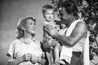 Сцена из фильма режиссера Ивана Пырьева «Испытание верности», 1954 год.
