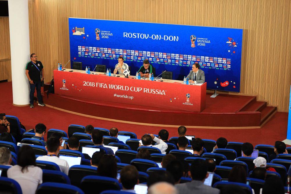 В ходе пресс-конференции.