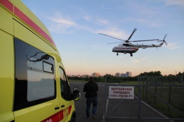В 3.30 вертолёт приземлился в Казани.