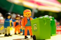 В Ноябрьске появился контейнер для сбора опасных отходов