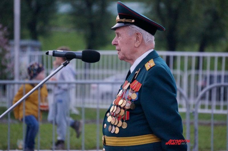 Ветеран Великой Отечественной войны Иван Шапорев делится воспоминаниями о первом дне войны.
