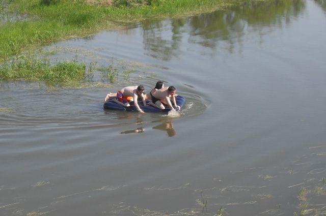 МЧС предупреждает: купаться в непроверенном месте крайне опасно.