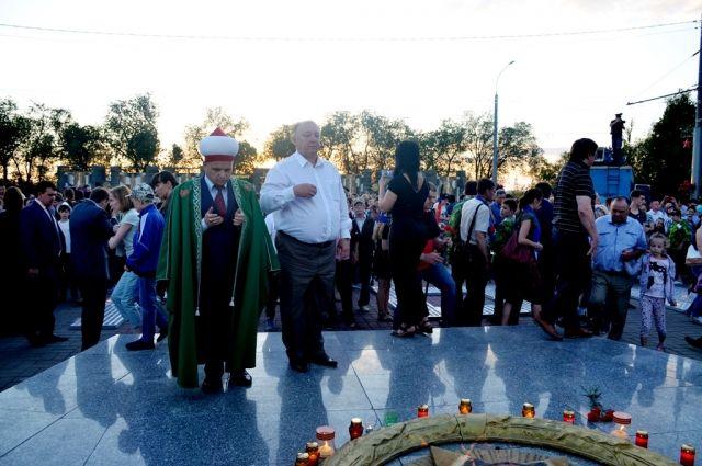 В акции «Свеча памяти» приняли участие депутаты Оренбургского городского Совета.