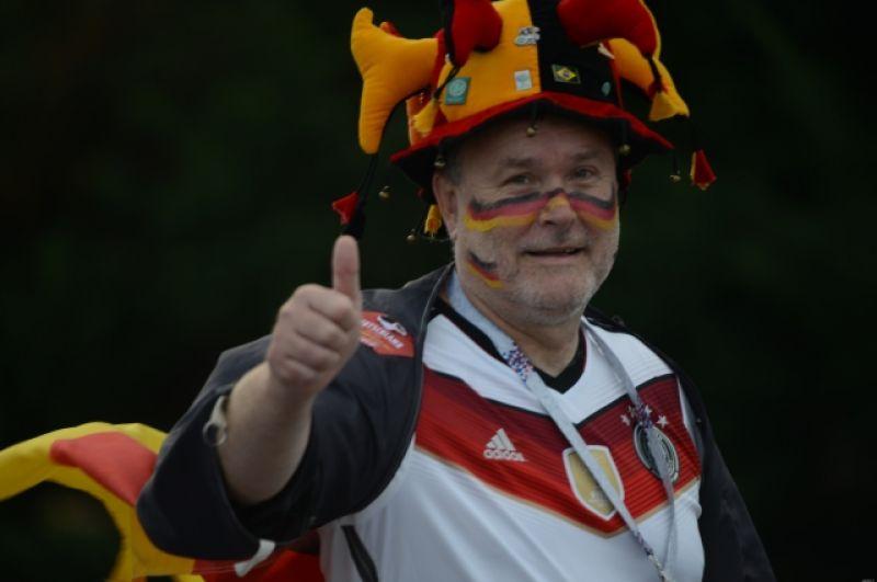 Немецкий болельщик уверен, что выиграет его сборная.