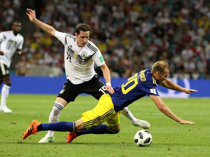 Два поражения подряд на чемпионате мира сборная Германии потерпела всего раз: в 1958 году, сначала проиграла Швеции в полуфинале, а потом - Франции в матче за третье место.