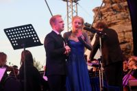 Для гала-концерта специально выбрали известные и любимые многими арии о любви.