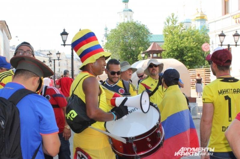 Колумбийцы готовятс к перформансу.