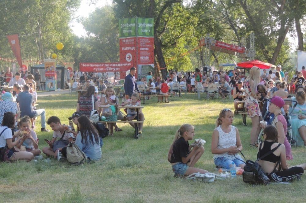 На фестивале можно было комфортно перекусить.
