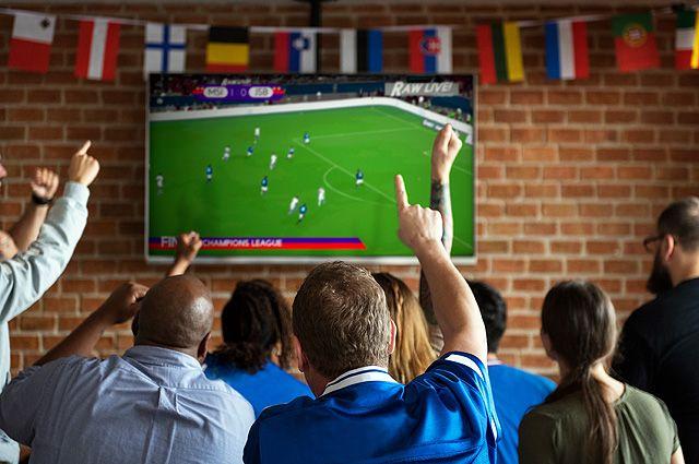 Чем болеют болельщики. Полезно ли смотреть футбол?