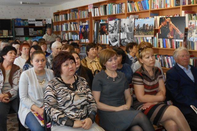 Среди пришедших на встречу были те, чей стаж читателя «АиФ» насчитывает более 20 лет.