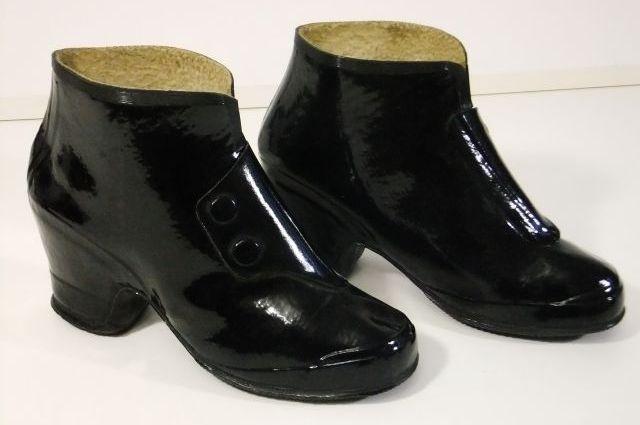 резиновые ботики носили модницы 50-60-х годов.