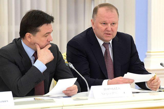 Николай Цуканов (справа).