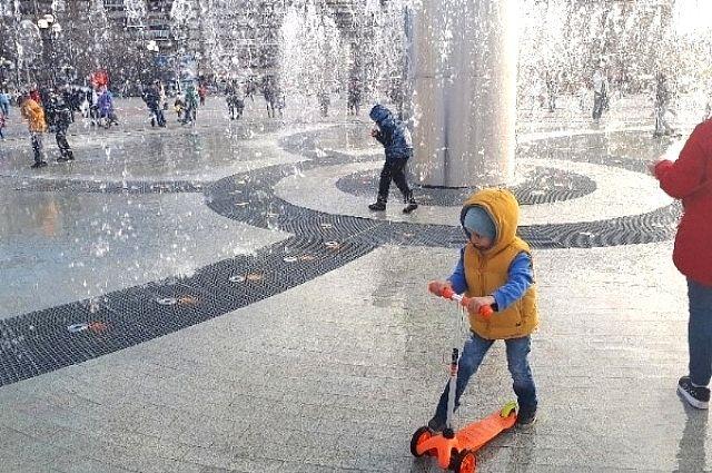 Тюменское лето в самом разгаре: на городских площадках проходят конкурсы