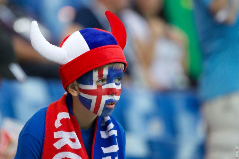 Юный исландец: так хочется, чтобы свои победили.