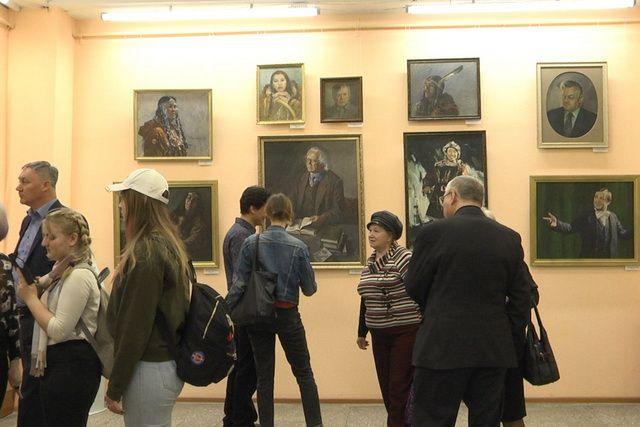 Галерея «Скрижали Камчатки» передана в дар краю.