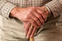 Немало пенсионеров работают, не оформляясь официально