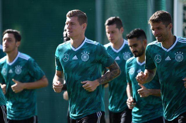 Высококлассных игроков в сборной Германии столько, что хватит еще на три сборные.