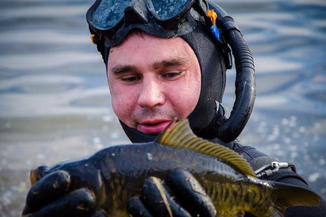 Активисты клуба «Подводные охотники»