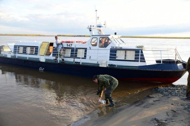 Пробы воды и грунта из Тазовского района отправлены на экспертизу