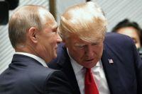 Президент РФ Владимир Путин и президент США Дональд Трамп перед рабочим заседанием лидеров экономик форума Азиатско-Тихоокеанского экономического сотрудничества (АТЭС). 11 ноября 2017.
