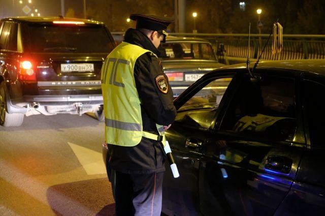 В обстоятельствах аварии будут разбираться сотрудники ГИБДД.
