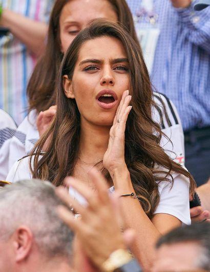 Девушка немецкого футболиста турецкого происхождения Месута Озиля.