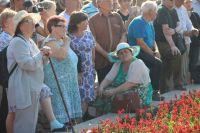 Среди участников - много пенсионеров, которым, казалось бы, волноваться уже не о чем...