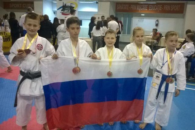 Юные российские каратисты завоевали 10 медалей