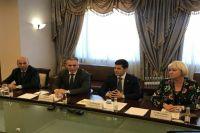Александр Моор обсудил дальнейшее сотрудничество с Ямалом