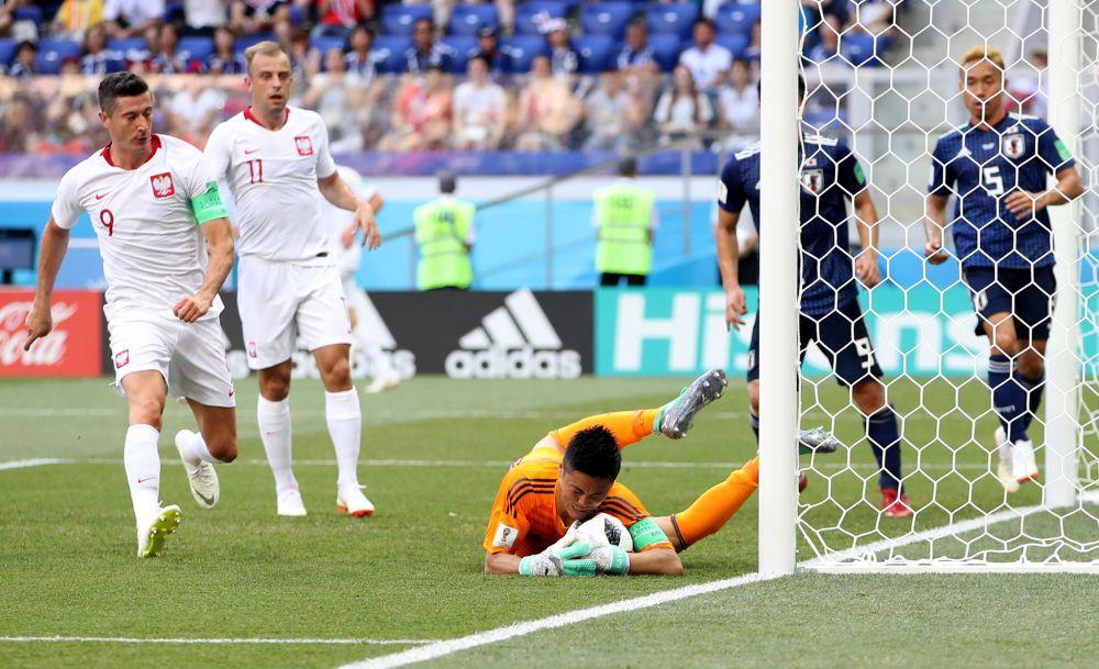 Японский вратарь спас свою команду от гола.
