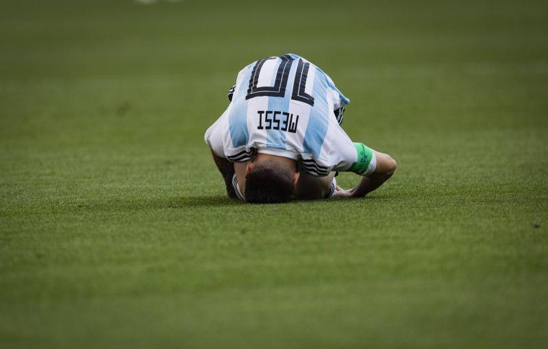 Добавленное время истекает, и Аргентине не удается ничего сделать.