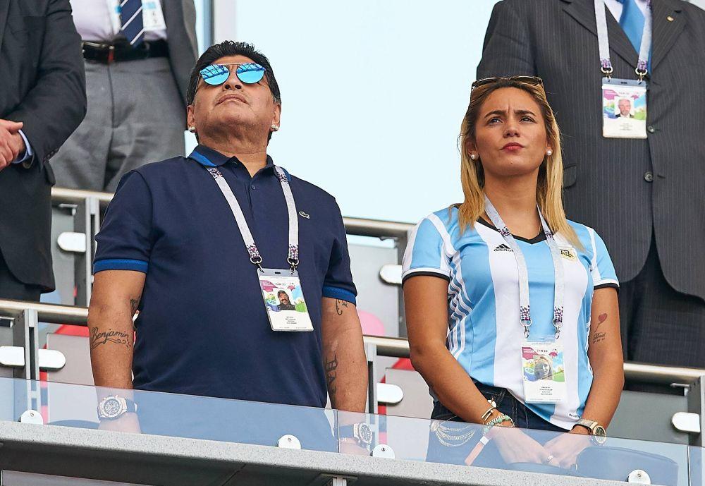 Диего Марадона, посетивший все игры Аргентины, прилетел и в Казань.