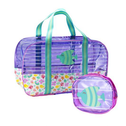 Перейдем к пляжным сумкам. Одним из самых интересных трендов являются сумки из полиэтилена - они не пропускают воду и могут быть разного цвета, но самое главное - таким образом вы участвуете в экологичной переработке отходов, в данном случае - пакетов.